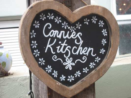 WWooden sign - Connie's Kitzchen