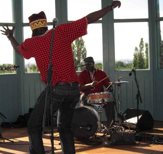 Kasai Masai's, Nickens Nkoso dancing