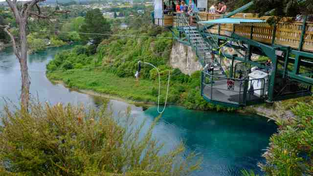 Bungy jumper over Waikato River, Taupo